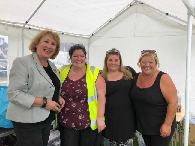 Annabelle Ewing with members of Kelty Gala Committee.