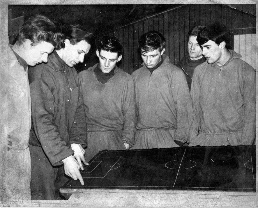 Left to right: Jimmy Burns, Archie Robertson, Andy Rolland, Andy Kinnell, Tom Dawson and John Ritchie)