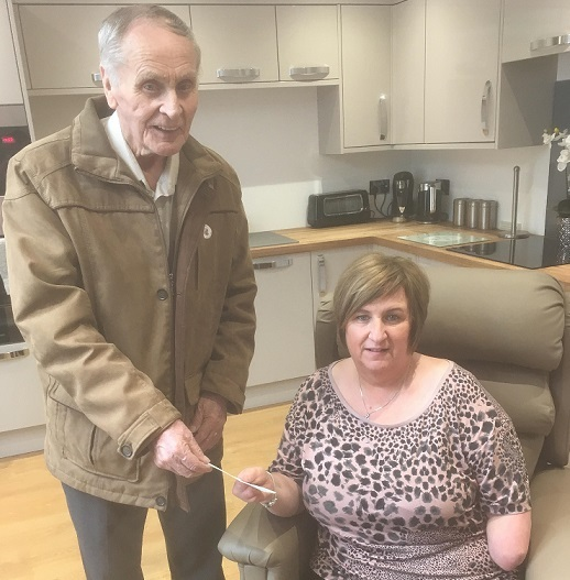 Marguerite receives the Lodge Ballingry's cheque from Robert Glencross.