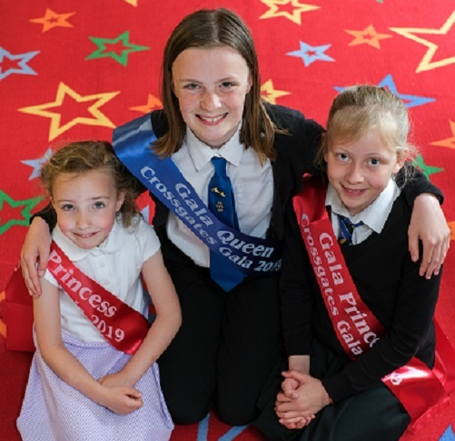 The Crossgates Gala Queen 2019 and her attendants.